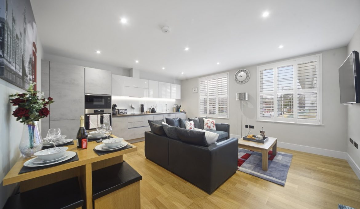 Bridge House One Bed City Apartment in Staines Upon Thames
